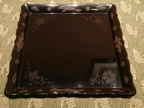 Square lacquered tray with lucky beast pattern