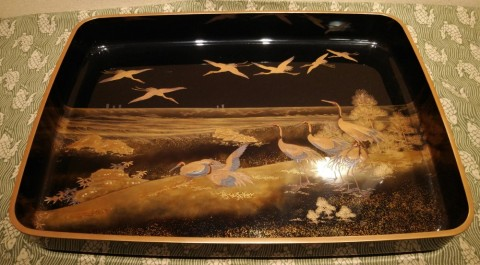 wide black lacquered tray, scenery of group crane